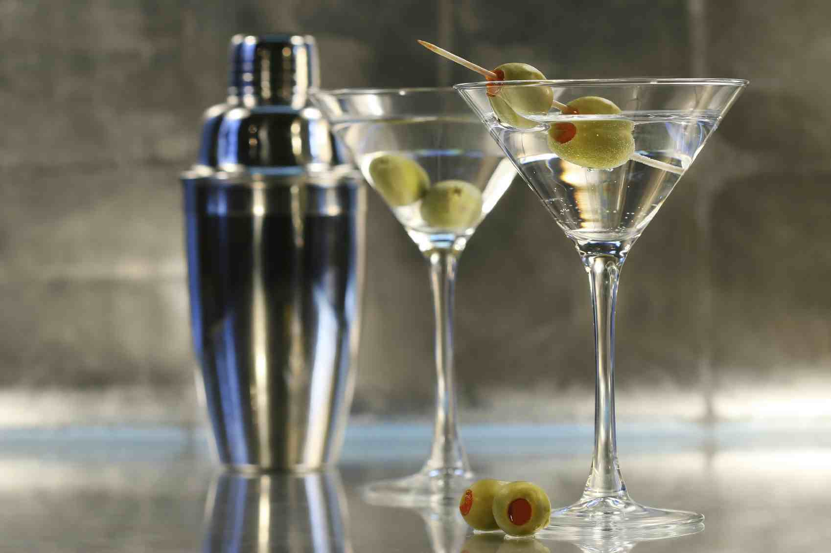Standard Market Naperville » Build Your Bar: A Classic Cocktail Class